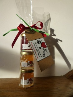 A close up shot of our jam crackers which can be personalised to any occasion